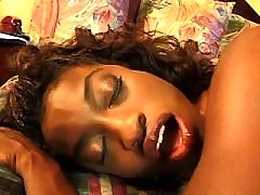 This cuties fuck like never before ebony lesbian sex